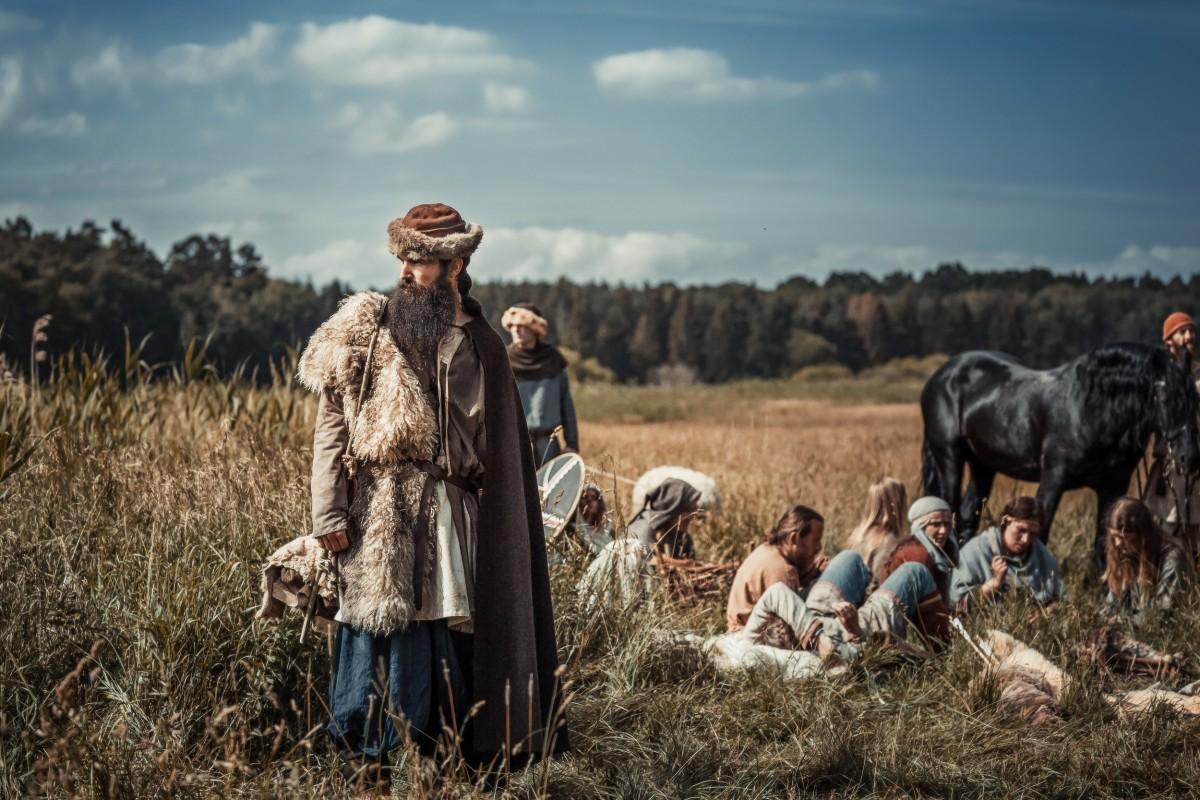 small_Die-Slawen-Unsere-geheimnisvollen-Vorfahren_05B2909-Edit_©DOKfilm_Katarzyna-Skrzypek-1200x800
